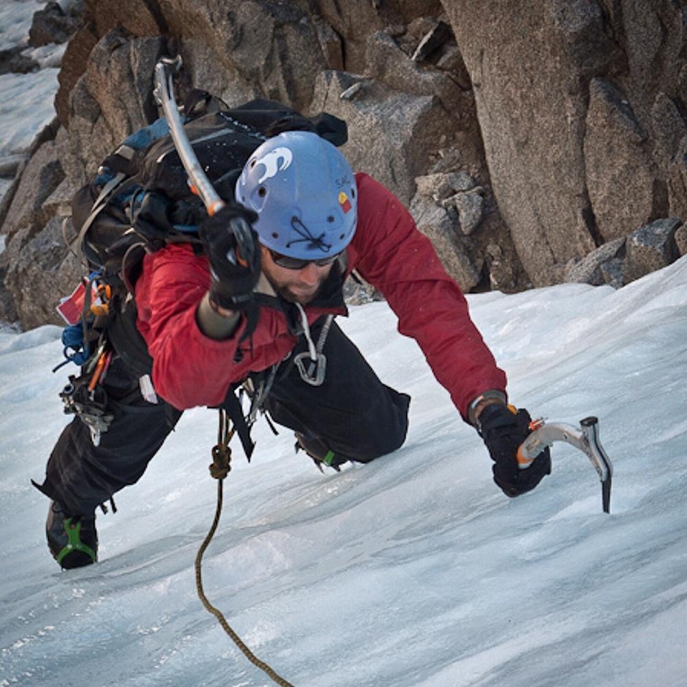 Ice Climbing the U-notch in the Eastern Sierra