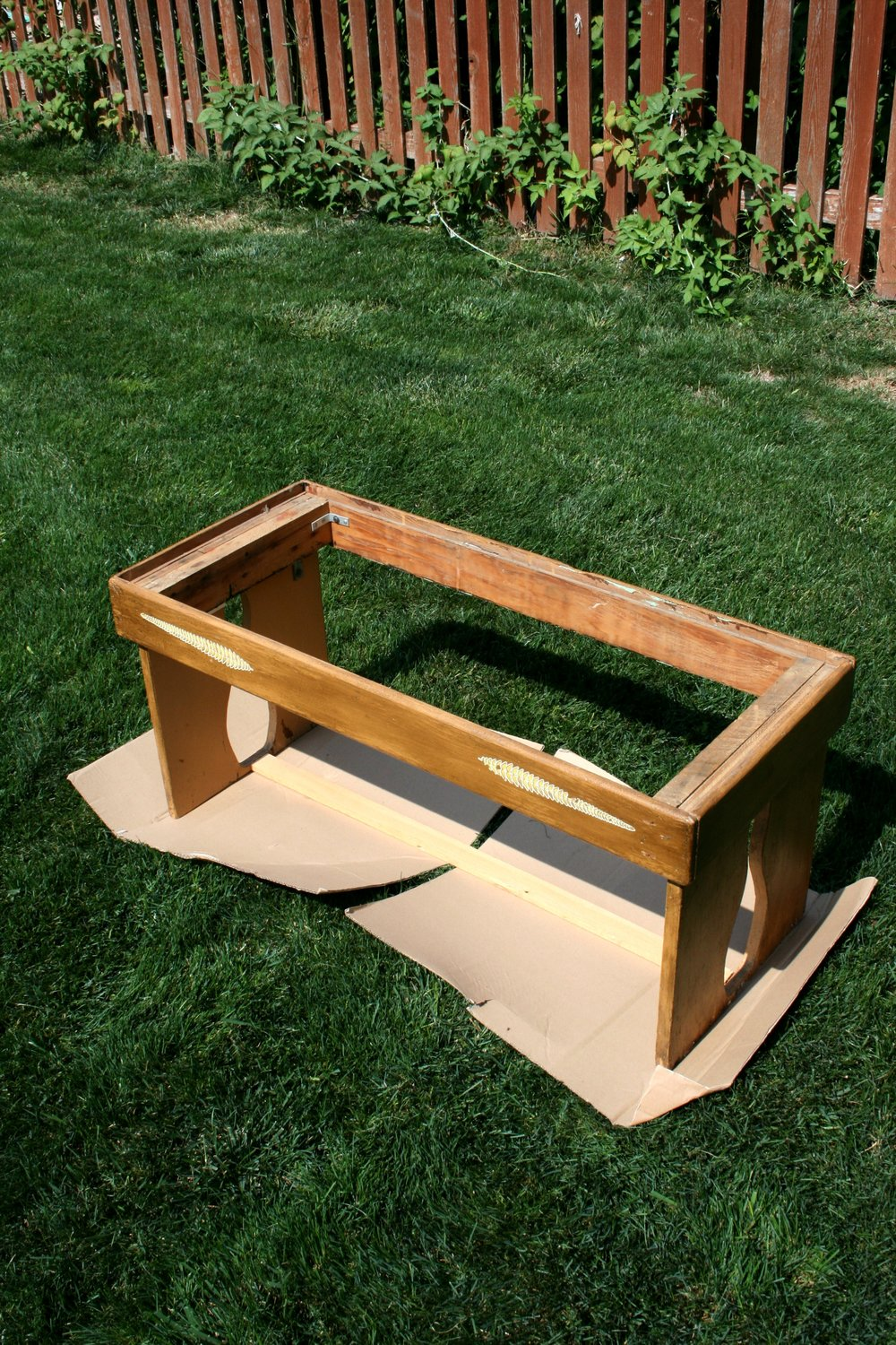 prepping a bench for paint.jpg