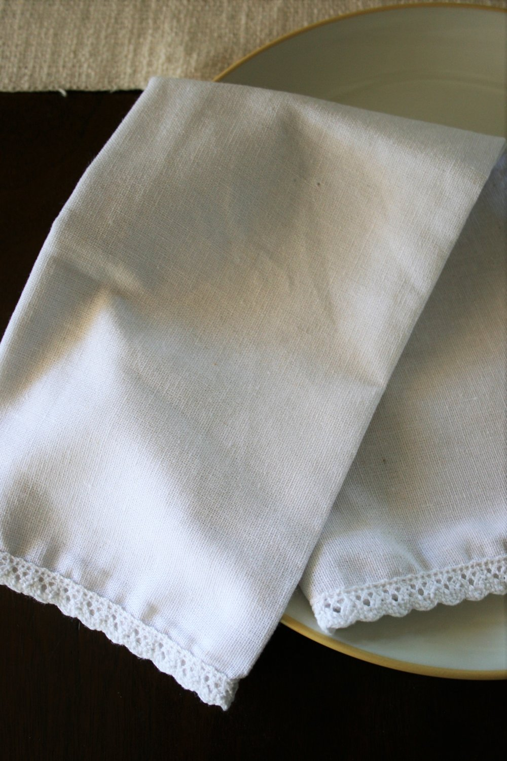 Simple cloth napkins | The Little Homeplace