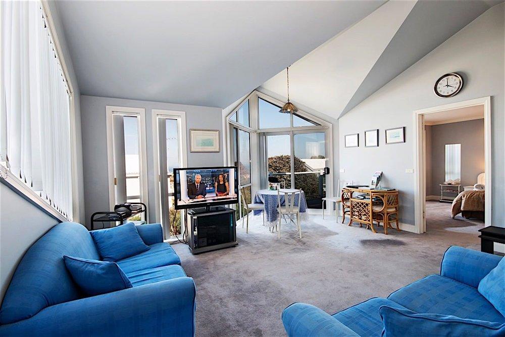upstairs lounge room 1 web large..jpg