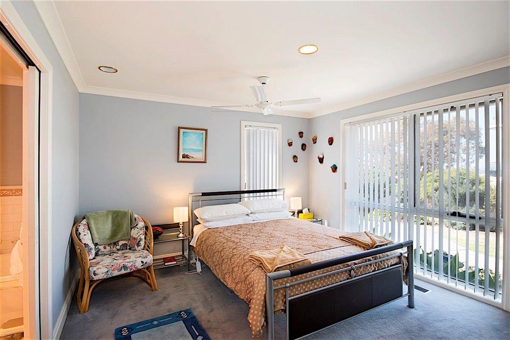 downstairs bedroom 1 web large..jpg