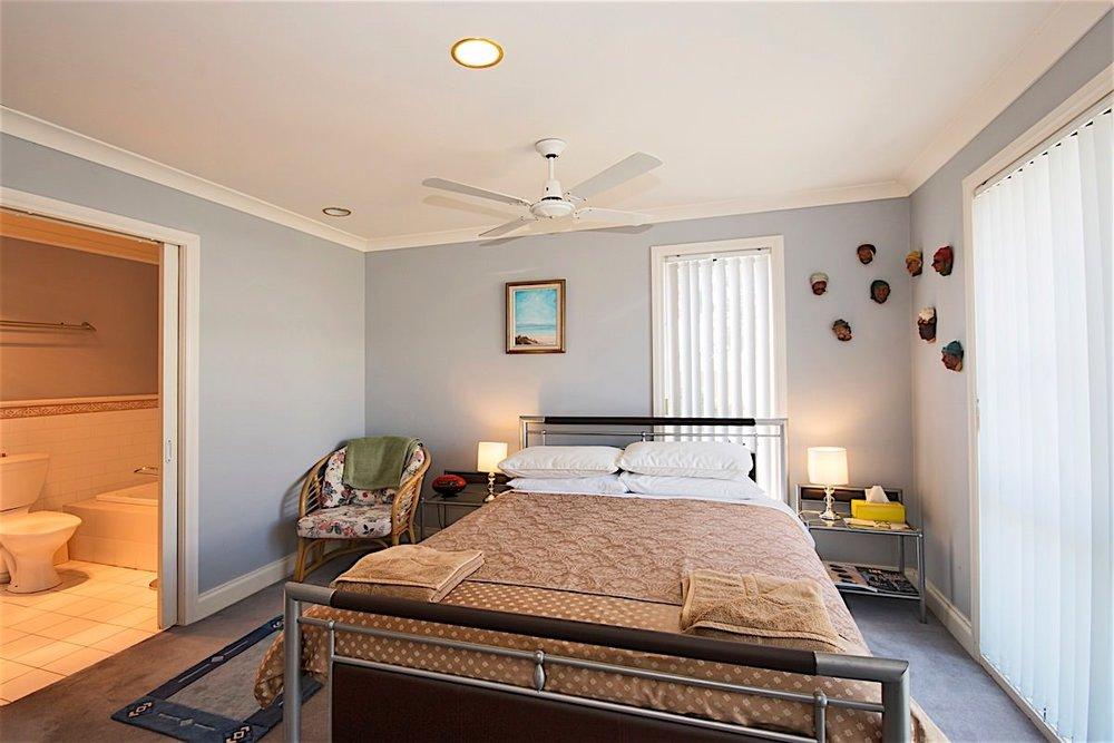 downstairs bedroom 3 web large..jpg