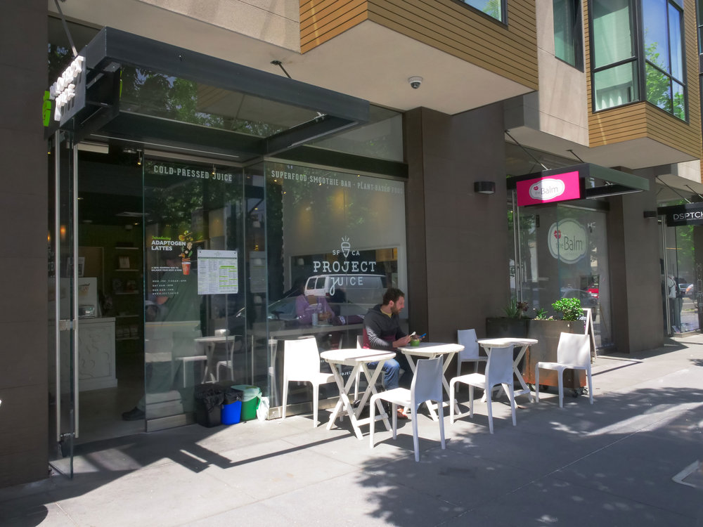 Valencia_street_stores.jpg