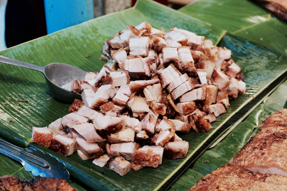 We ordered some roast pork, which had crunchy skin and tender meat, not too salty! 200g costs 100 baht(SGD4)