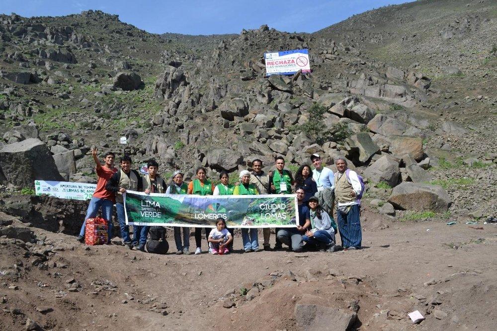 Algunos miembros de la red de lomeros de Lima tras finalizar el evento.