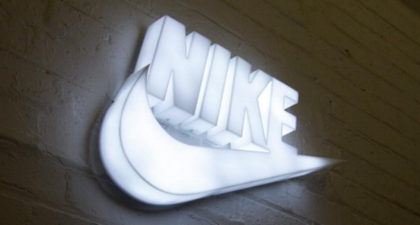 illuminated_nike_sign.jpg