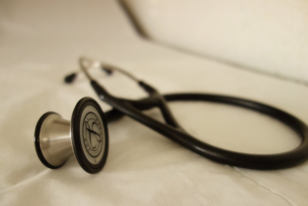 stethoscope-2359757_1920.jpg