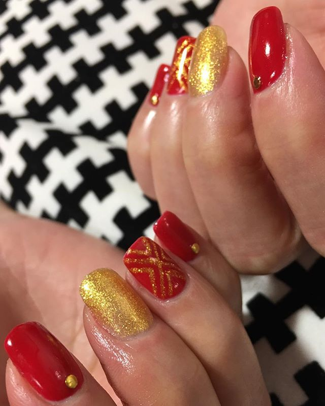 Great nails don't happen my chance, they happen by appointment. Make yours today. Only a few slots left each day until Christmas 🎄