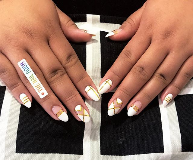 Don't let your nails go naked this weekend ladies! Make your appt for tomorrow! Text 415.272.8782
