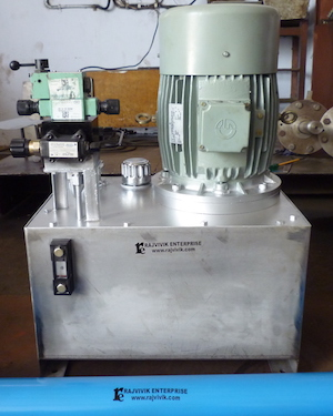 Hydraulic system for core sample removal used in geotechnical investigations