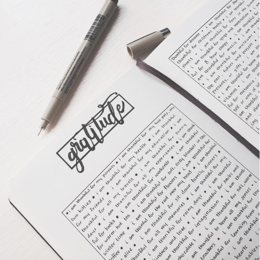 Minimalist Bullet Journal Gratitude Log