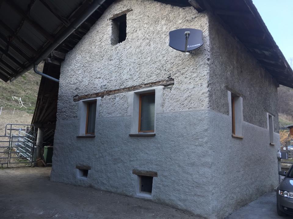 BregyBauGmbH_Fassadensanierung_Kellenwurf.jpg