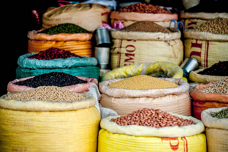 The endless diversity and colours of the ingredients for Indian food are already stunning.
