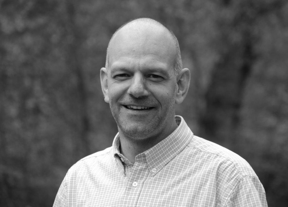 Lukas Amstutz, ist Leiter des Bildungszentrum Bienenberg und Co-Präsident der Konferenz der Mennoniten in der Schweiz und gehört zum Team der SRF2 KulturRadioprediger/innen.  lukas.amstutz{at}bienenberg.ch