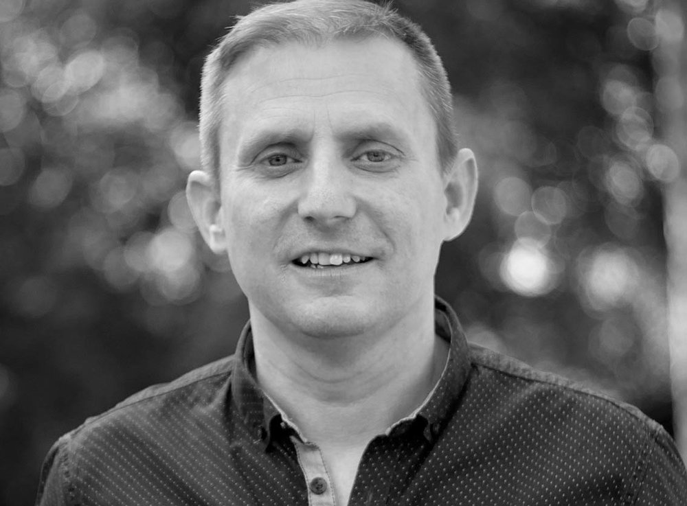 Eric Braun leitet den Bereich Kommunikation des Bienenbergs in Teilzeit. Neben seiner Tätigkeit in einer Agentur engagiert er sich in der Kirche Spalen (ETG) in Basel.   eric.braun{at}bienenberg.ch