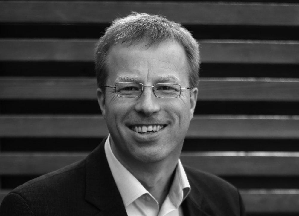 Marcus Weiand ist seit 2013 auf dem Bienenberg teilzeitig als Dozent, Berater und Leiter des Instituts ComPax tätig und freiberuflicher Coach.   marcus.weiand{at}bienenberg.ch
