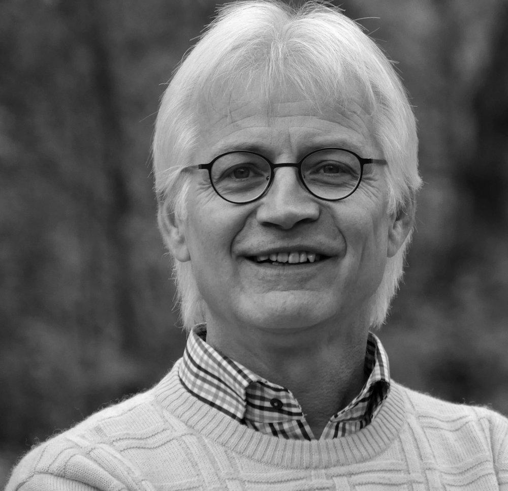 Hanspeter Jecker  Leiter der Fachstelle für täuferische Geschichte und Theologie sowie Dozent für Historische Theologie und Ethik am Bildungszentrum Bienenberg  hanspeter.jecker{at}bienenberg.ch