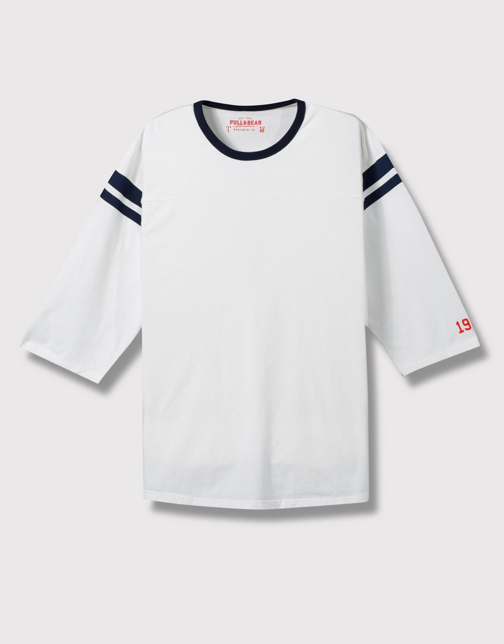 Long top with 3/4 sleeve, £14.99 ( pullandbear.com )