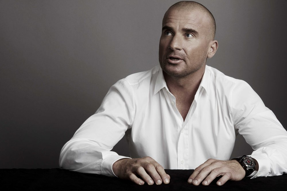 Dominic Purcell's character in Prison Break wears the Terra Australis in Season 5.