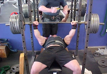 How To Increase Your Bench Press Gymcaddy Buy Right Every Time