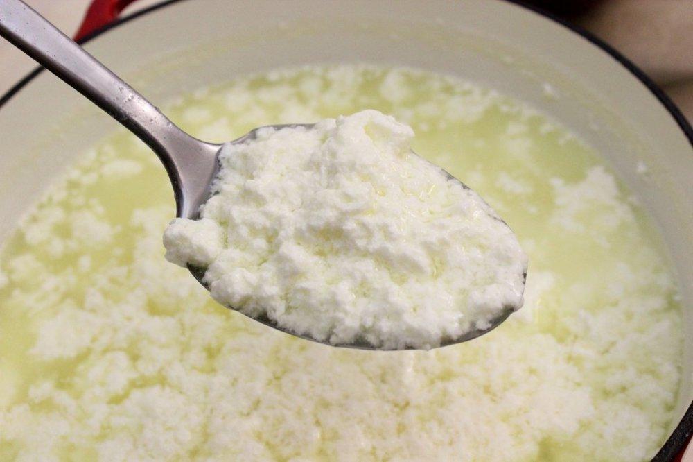 Natural Bodybuilding Supplements -- casein protein