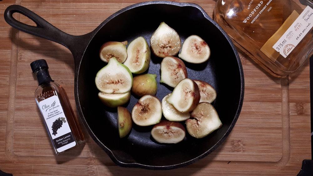 figs in cast iron pan.jpg