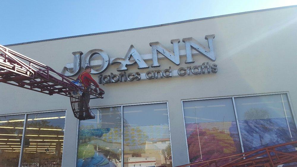 Joann fabrics and craft sign 2 .JPG