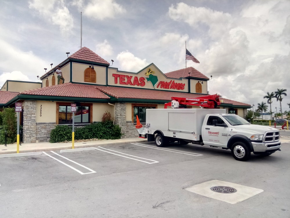 Service Pic - texas road house.jpg