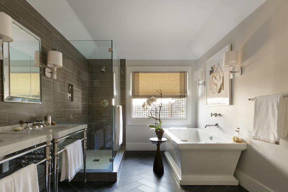 neutral transitional bathroom