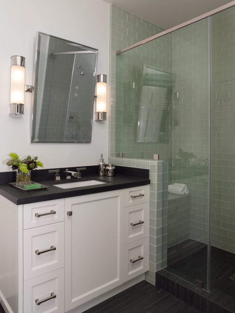 Bathroom+5.jpg