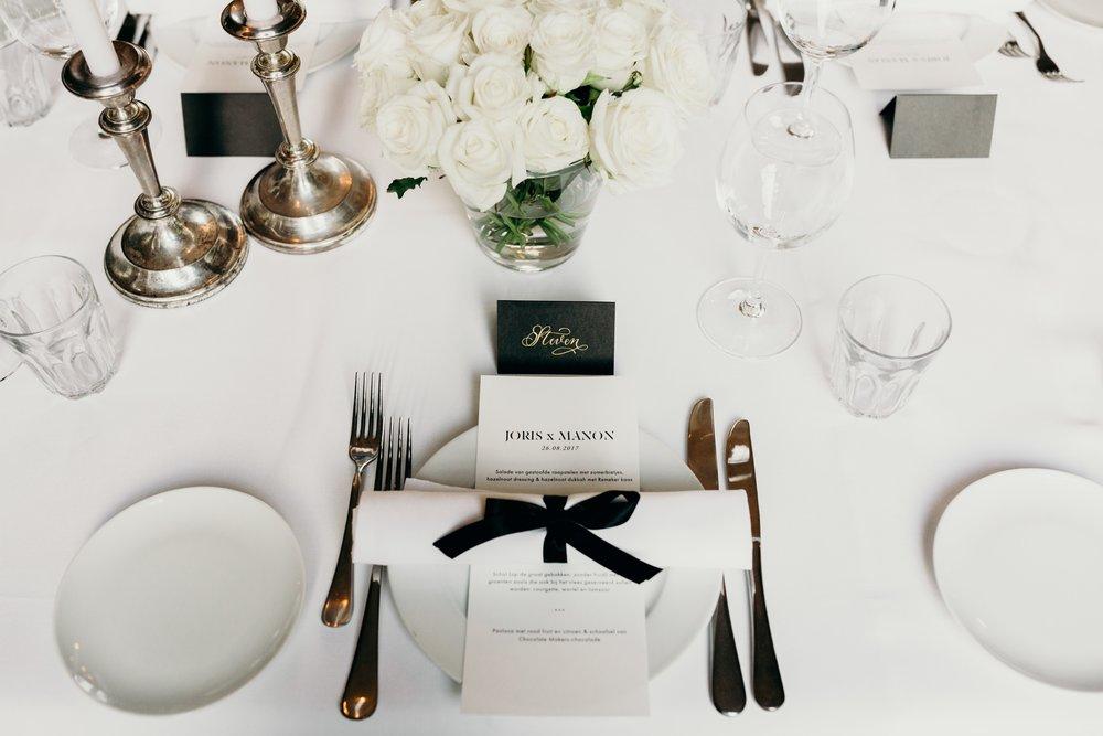 `Wedding dinner table styling Bruiloft styling