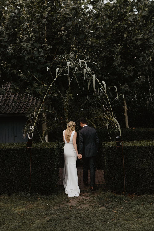 Angela-Bloemsaat-Over-the-moon-weddings-domainedheerstaayen10.jpg