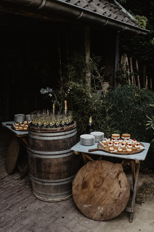 Angela-Bloemsaat-Over-the-moon-weddings-domainedheerstaayen11.jpg
