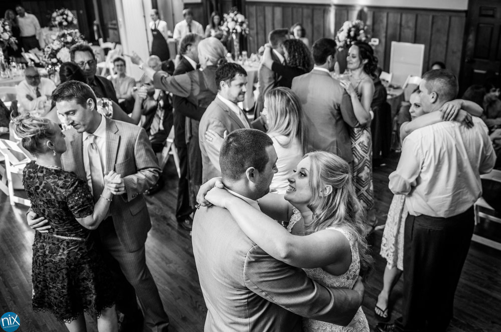 2017_Ariel_Andrew_Wedding_659.jpg