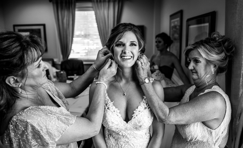Gallery-getting-ready-nix-weddings-07A.jpg