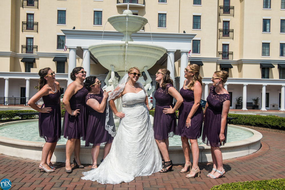 bride-bridemaids-fountain.jpg