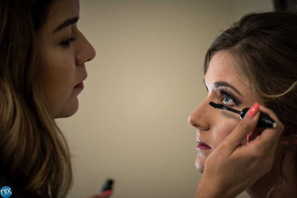 peninsula club bride getting ready.jpg