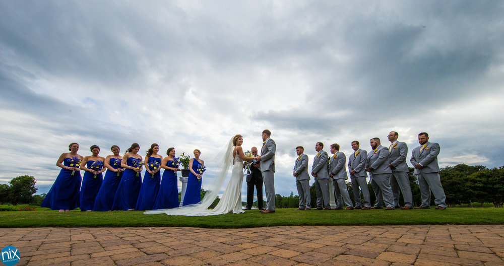 Lake Norman peninsula club wedding party .jpg