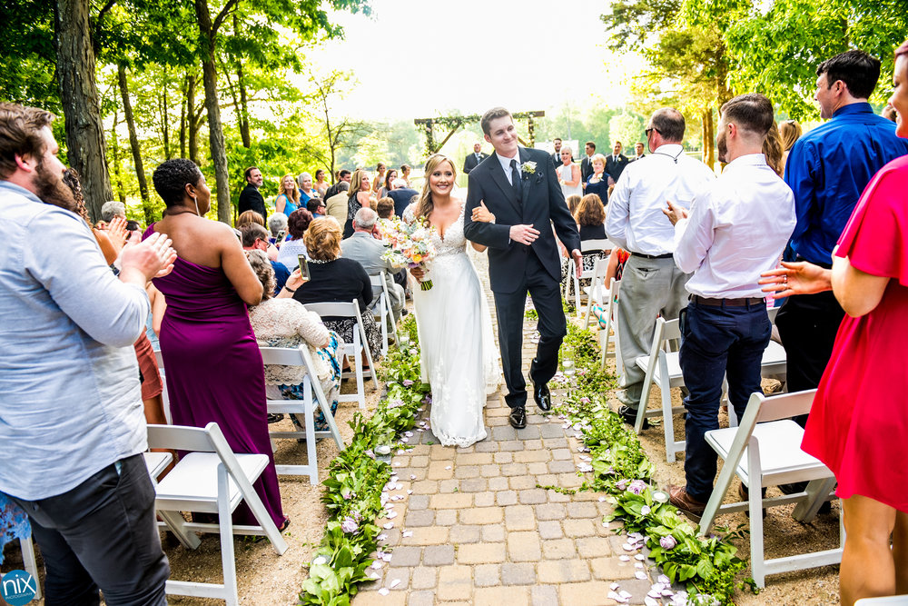 wedding processional at Morning Glory Farm.jpg