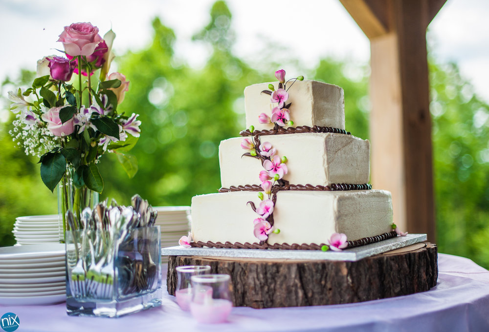 wedding cake cabin ridge flowers.jpg