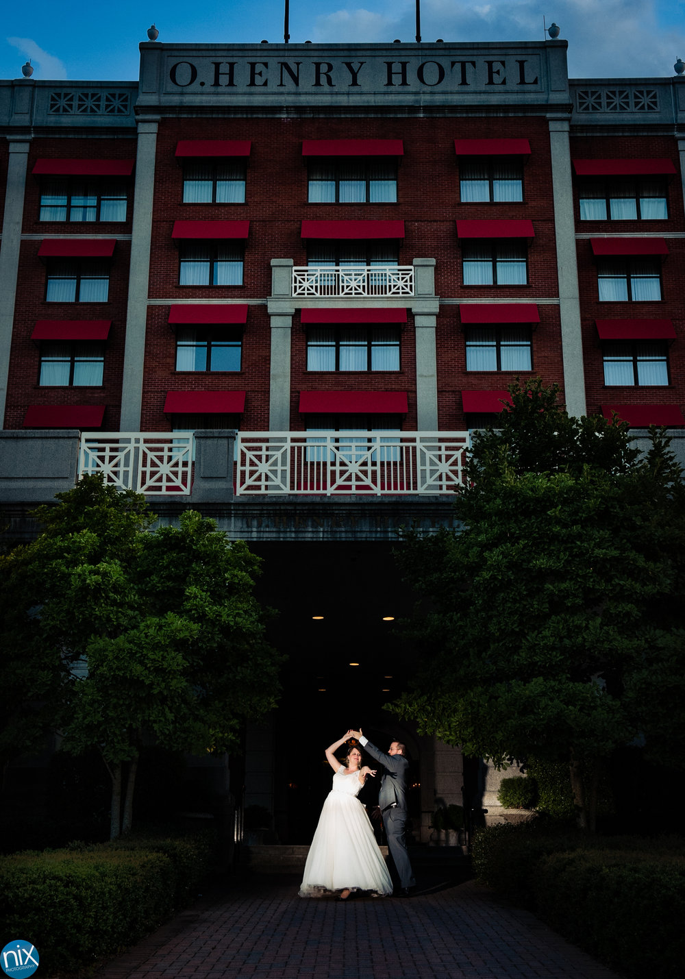 bride_and_groom_o_henry_hotel.jpg