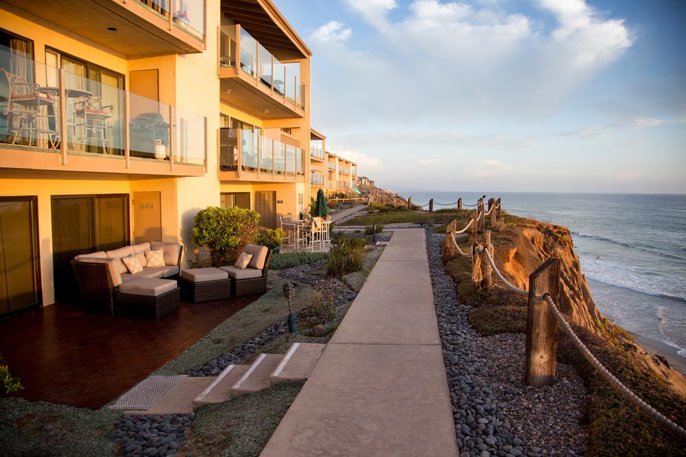 Gorgeous oceanfront condo!