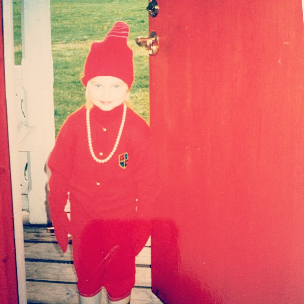 Hey, red is the color. Just sayin'. #throwbackthursday #autumninspiration