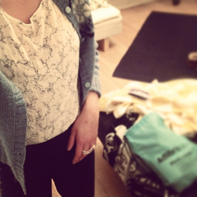 Going back to Umeå and @umeafashionweek tonight after two weeks around. Today's outfit is a mischmasch of stuff I love: mom's old cardigan from the early 80's (made by my aunt), dad's well tailored pants from the 70's, top bought in New York 3 years ago and BJÖRK silver ring and necklace.