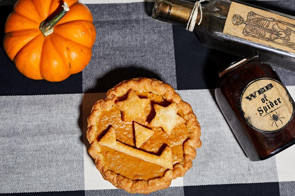 Halloween Pies - Pumpkin Jack-o-Lantern.jpg