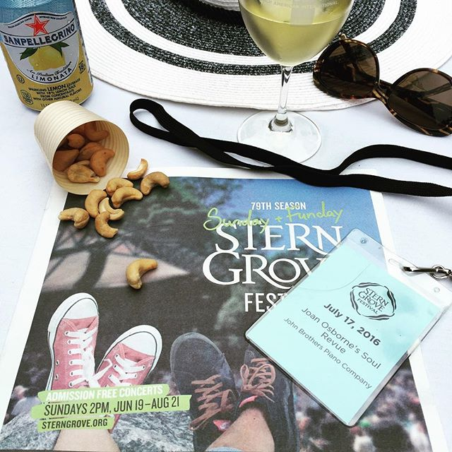 #sterngrovefestival  enjoying music, nibbles and friends @Stern Grove