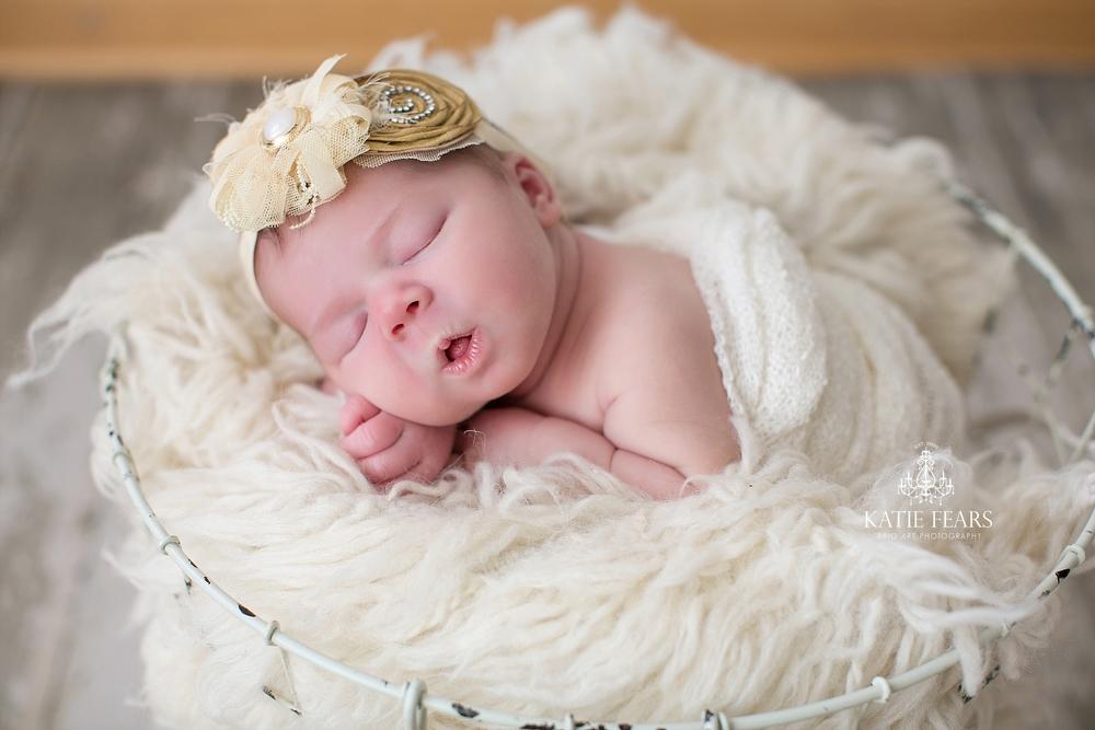 BrioArt-NewbornHazel-052_WEB.jpg