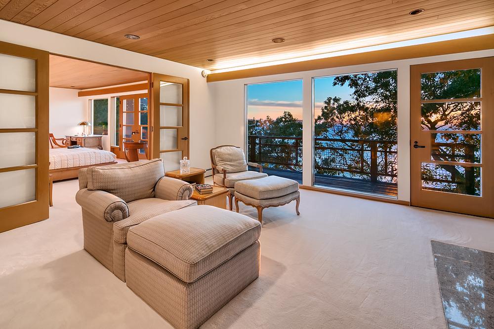 14 Master Bedroom (fire room).jpg