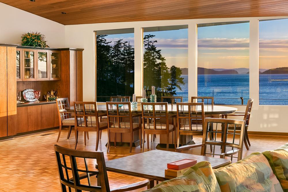 Dining Room (bright).jpg