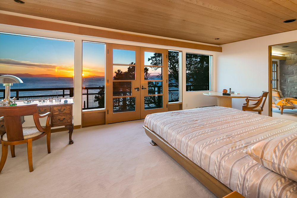 Master Bedroom (left).jpg